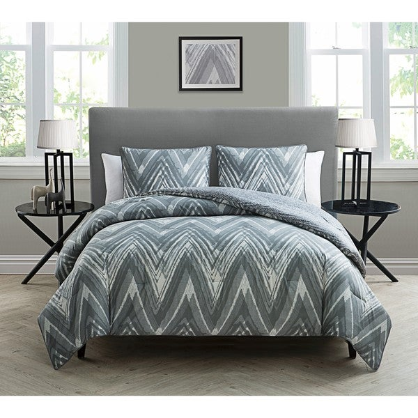 VCNY Kayden Grey and White 3-piece Comforter Set