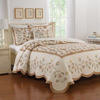 Gracewood Hollow Reg Cream Bedspread (3 options available)