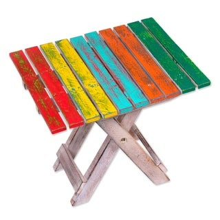 Handmade Albesia Wood 'Beach-side Picnic' Folding End Table (Indonesia)