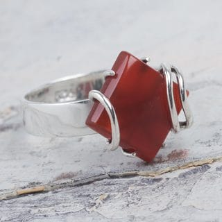 Handcrafted Sterling Silver 'Fiery Aura' Carnelian Cocktail Ring (Peru)