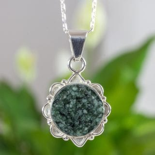 Handcrafted Sterling Silver 'North and South' Jade Necklace (Guatemala)