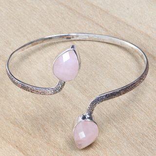 Handcrafted Sterling Silver 'Budding Roses' Rose Quartz Bracelet (Indonesia)