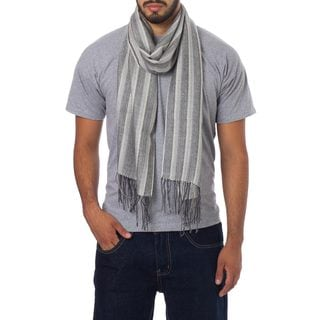 Handcrafted Men's Alpaca Silk 'Distinguished Grey' Scarf (Peru)