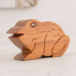 Handmade Mahogany Wood 'Lucky Frog' Decorative Box (Guatemala)