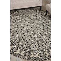 Nourison Country Heritage Black/White Area Rug - 7'6 x 9'6 Oval