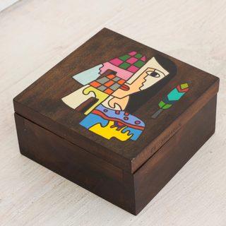 Handcrafted Pinewood 'El Salvador Woman' All Purpose Decorative Box (El Salvador)