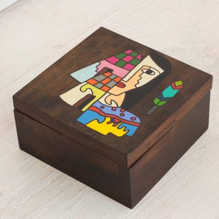 Handmade Pinewood 'El Salvador Woman' All Purpose Decorative Box (El Salvador)