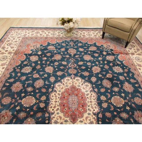 Hand-knotted Wool Green Traditional Oriental Pak-Persian Rug (11'2 x 14'10) - 11' x 15'
