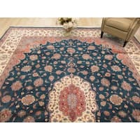 Hand-knotted Wool Green Traditional Oriental Pak-Persian Rug (11'2 x 14'10)
