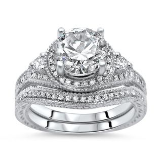 Noori 14k White Gold Round Moissanite Diamond Engagement Ring Bridal Set