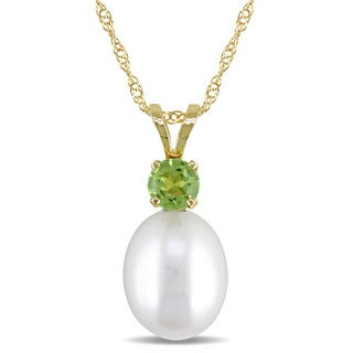 Miadora 14k Yellow Gold Cultured Freshwater Pearl and Peridot Necklace (8-8.5mm)