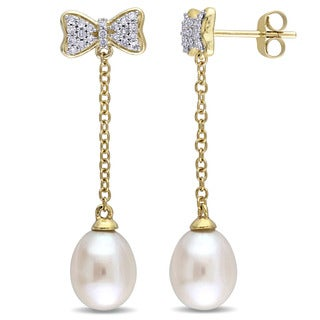 Miadora 10k Yellow Gold Cultured Freshwater Pearl and 1/5ct TDW Diamond Dangle Bow Earrings (G-H, I2-I3) (8-8.5mm)