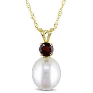 Miadora 14k Yellow Gold Cultured Freshwater Pearl and Garnet Necklace (8-8.5mm)