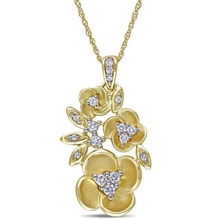 Miadora 10k Yellow Gold 1/5ct TDW Diamond Flower Necklace