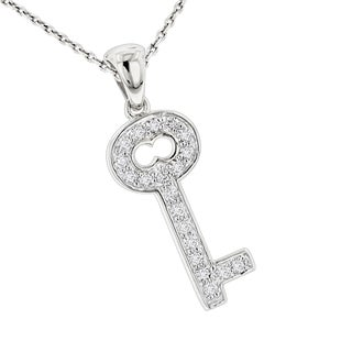 Luxurman 14k Gold 1/4ct TDW Round Diamond Key Pendant (H-I, SI1-SI2)