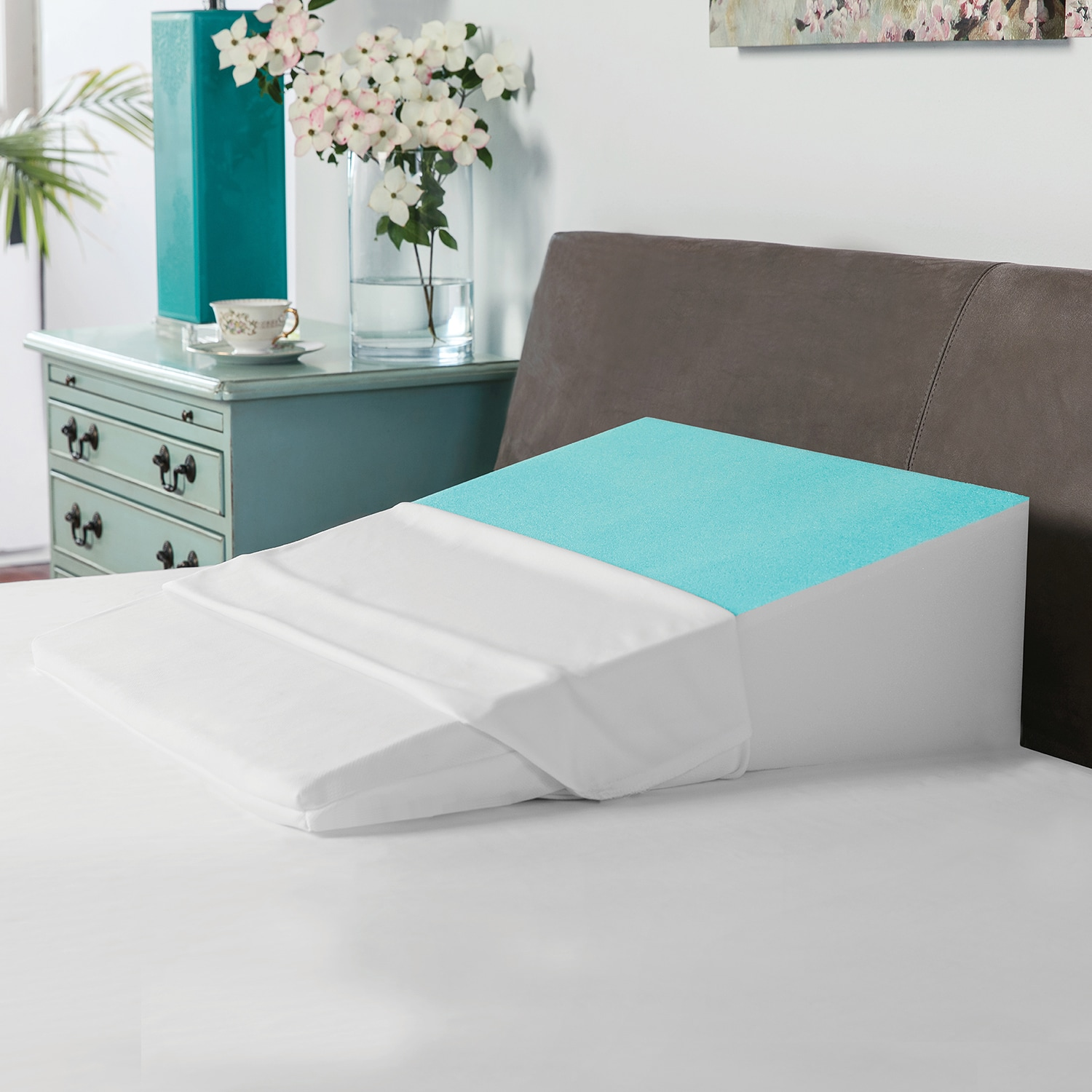 SwissLux Bed Wedge Pillow with Cooling Gel-Coated Memory ...