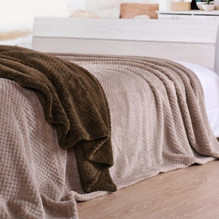Super Plush Honeycomb Queen and King Size Blanket