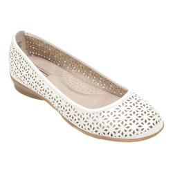 Women's Cliffs by White Mountain Hollins Perforated Slip On White Smooth Polyurethane
