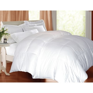 Hotel Grand Oversized 600 Thread Count Medium Warmth White Goose Down Comforter