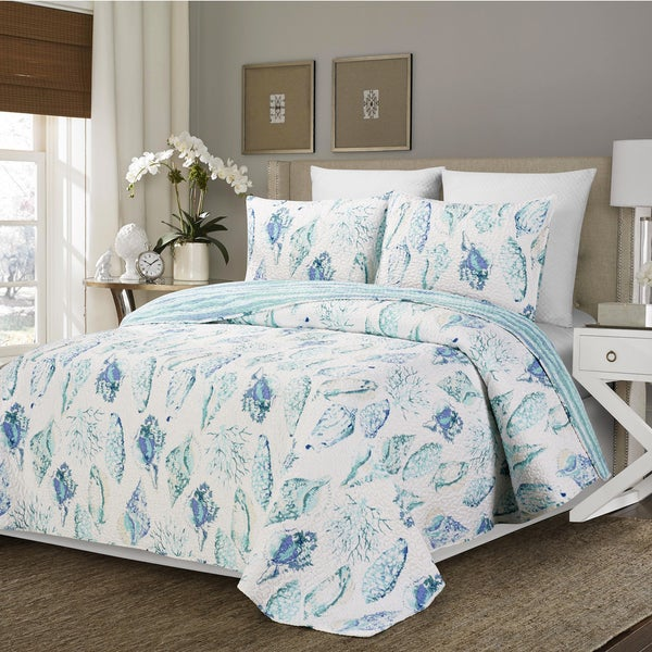 Reversible Cambell Shells Blue And White Polyester Quilt 3