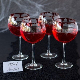 Clear Glass 19-ounce Personalized Spooky Red Wine Glasses (Pack of 4)