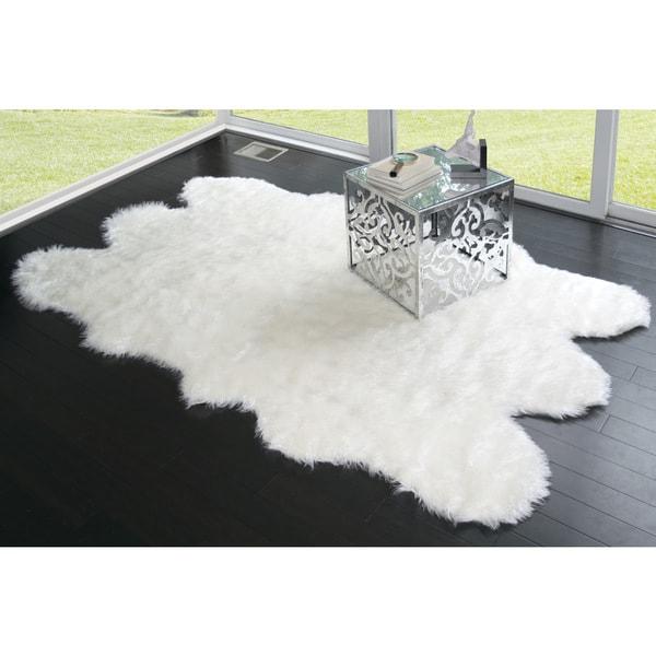 Shop Ailsa Black/White Faux-sheepskin Area Rug (5' X 7