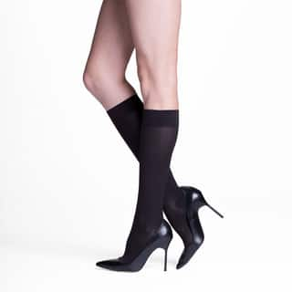 Insignia Sigvaris Venturist Black Nylon Graduated Compression Socks|https://ak1.ostkcdn.com/images/products/12512730/P19319403.jpg?impolicy=medium