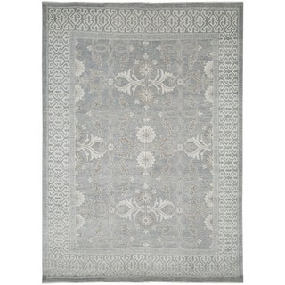 Hand-Knotted Bethel Grey New Zealand Wool Area Rug (10'x14')
