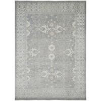 Hand-Knotted Bethel Grey New Zealand Wool Area Rug - 10' x 14'