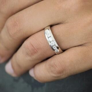 TwoBirch 10k Gold Men's 1/4ct TGW Moissanite Wedding Ring
