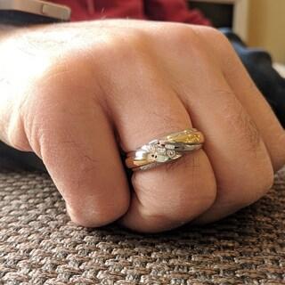 TwoBirch 10k Gold Men's 1/6ct TGW Moisannite Wedding Ring
