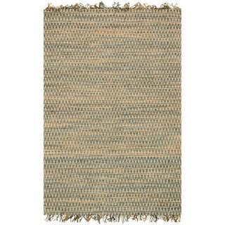 Hand-woven Reed Earth-tone Chevron Fringe Rug (2'3 x 3'9)