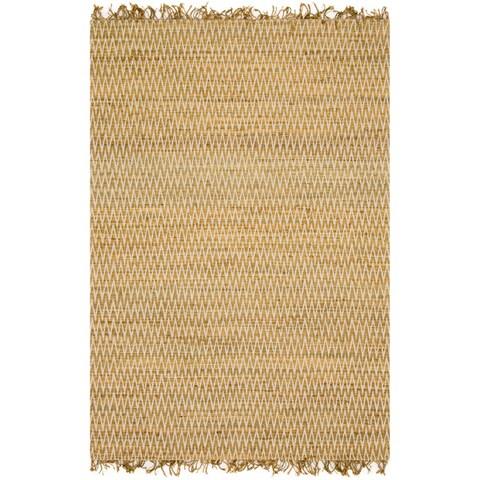 Hand-woven Reed Earth-tone Chevron Fringe Rug (5'0 x 7'6)