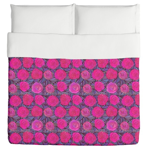 Feathers And Roses Duvet Cover