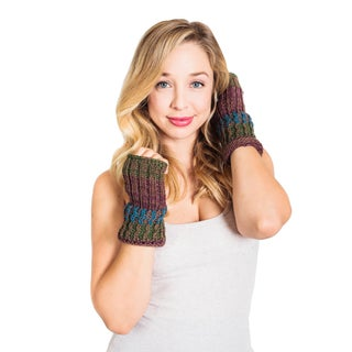 Handmade Women's Winter Color Blend Hobo Fingerless Gloves (Nepal)