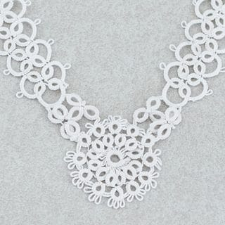 Handcrafted Cotton 'White Lace Beauty' Necklace (Mexico)