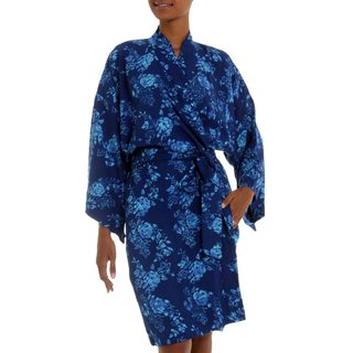 Handcrafted Rayon 'Gorgeous in Cyan' Short Batik Robe (Indonesia)