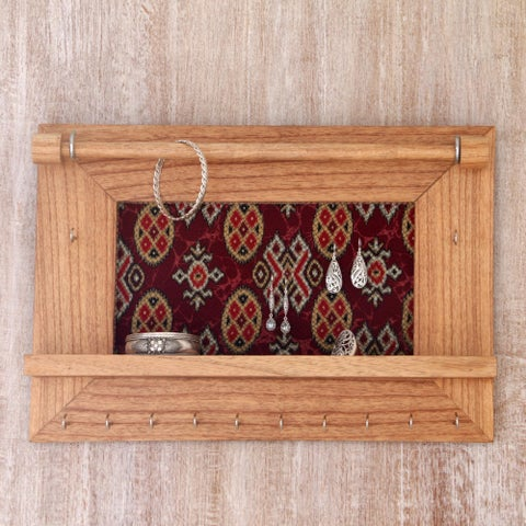 Handmade Jempinis Wood Cotton 'Tegalalang Heritage in Tan' Jewelry Display Wall Panel (Indonesia)