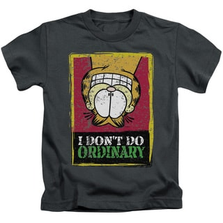 Garfield/I Don't Do Ordinary Short Sleeve Juvenile Graphic T-Shirt in Charcoal