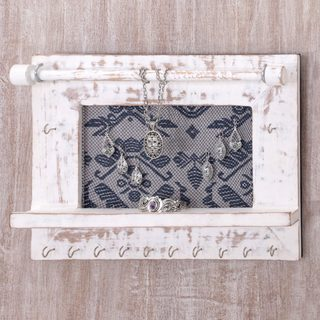 Handmade Jempinis Wood Cotton 'White Tegalalang Heritage' Jewelry Display Wall Panel (Indonesia)