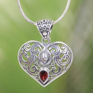 Handcrafted Sterling Silver 'Tears from the Heart' Garnet Necklace (Indonesia)
