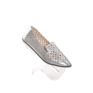 Hadari Womens Silver Slip on Pointy Flats with bedazzled front