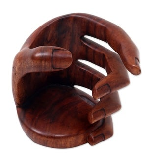 Handcrafted Suar Wood 'Hold Me' Wine Bottle Holder (Indonesia)
