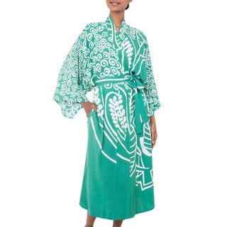 Handcrafted Rayon 'Bali Breeze' Long Batik Robe (Indonesia)