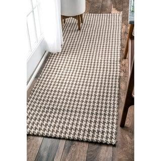nuLOOM Handmade Texture Houndstooth Jute Runner Rug (2'6 x 8')