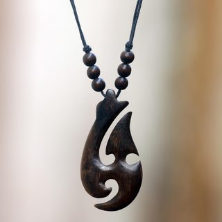 Handcrafted Sono Wood Cotton 'Lidah Api' Necklace (Indonesia)