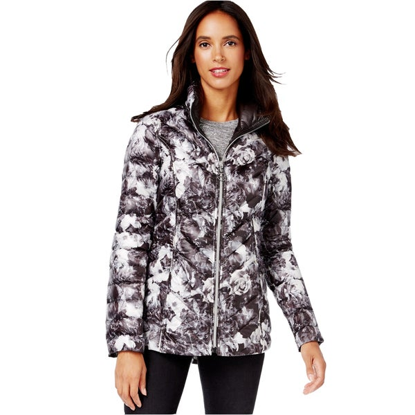 Shop Laundry by Shelli Segal Women s Reversible Floral Black Down Puffer  Jacket - Free Shipping Today - Overstock - 12557667 987fa7052f