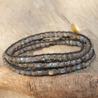 Handcrafted Gold Overlay 'Solar Treasure' Labradorite Wrap Bracelet (Thailand)