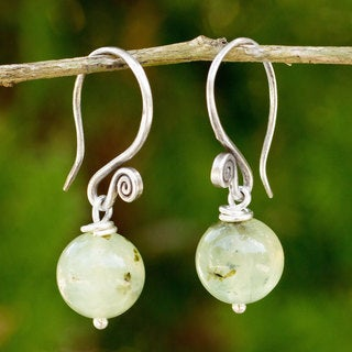 Handcrafted Sterling Silver 'Mystical Me' Prehnite Earrings (Thailand)