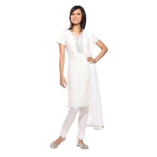 Handmade Women's Indian 3-Piece Ensemble With Embroidered Yoke (India)